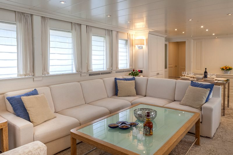 Yacht Harmonya - photo 2 of 18