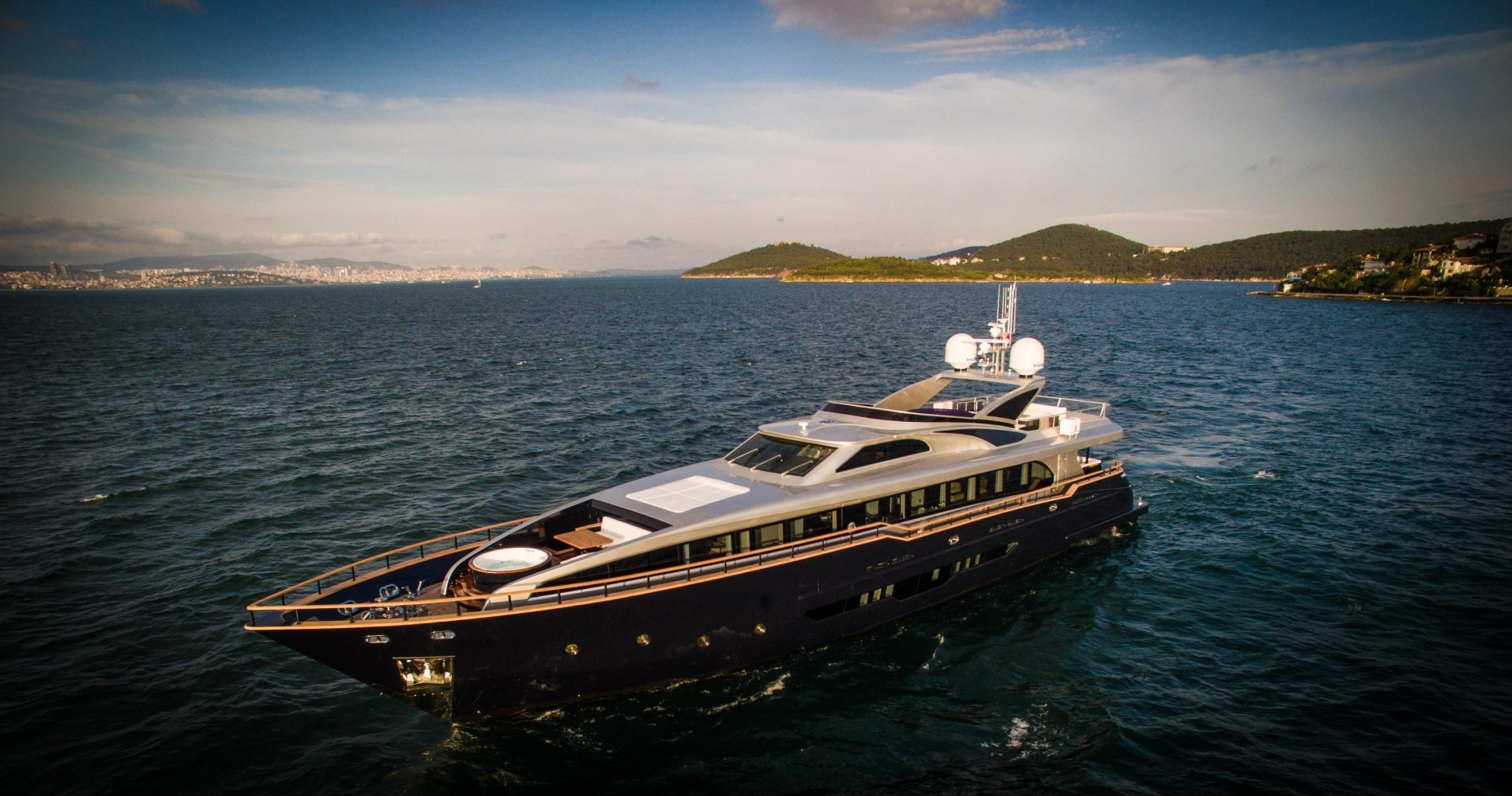 Яхта H Luxury Yachting 124 - фото 17 из 18