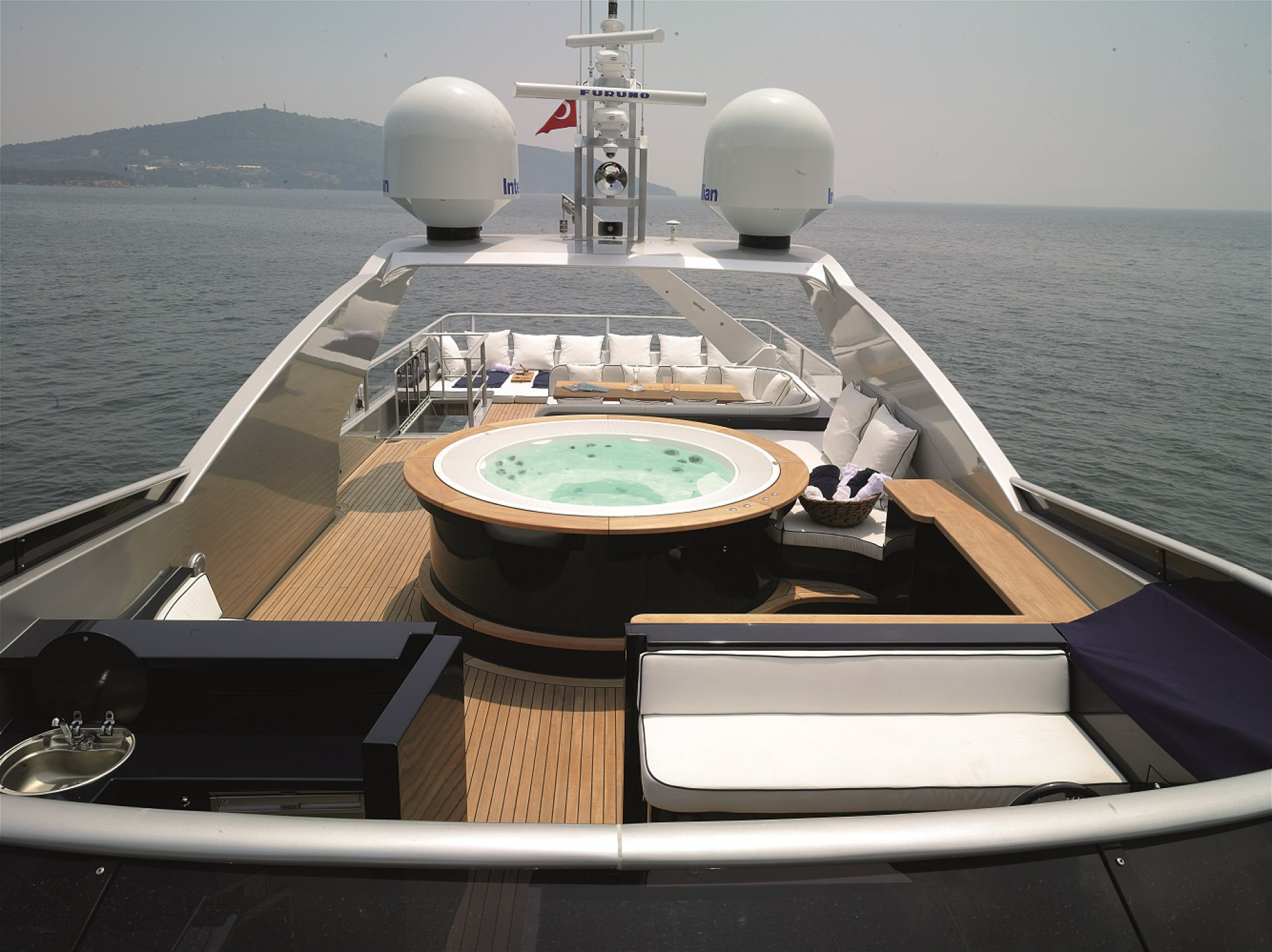 Яхта H Luxury Yachting 124 - фото 3 из 18