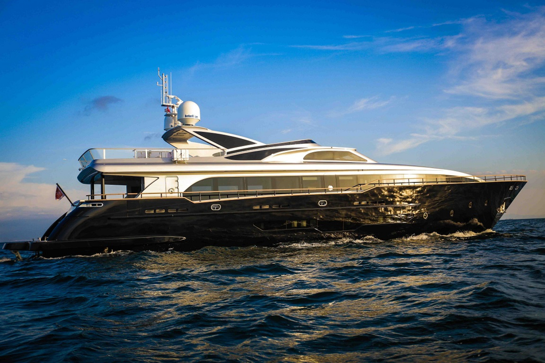 Яхта H Luxury Yachting 124 - фото 1 из 18