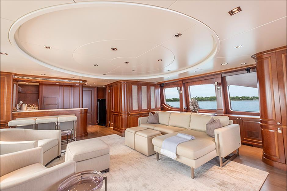 Yacht Benetti 120 - photo 13 of 23
