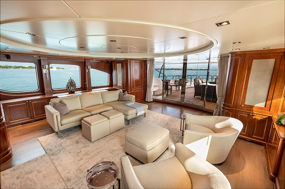 Yacht Benetti 120 - photo 2 of 23