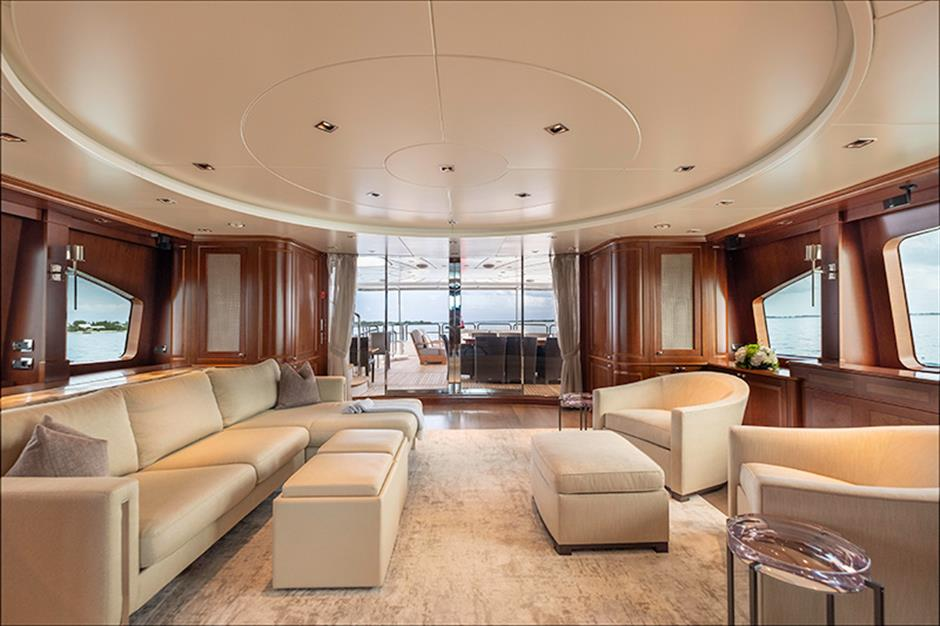 Yacht Benetti 120 - photo 14 of 23