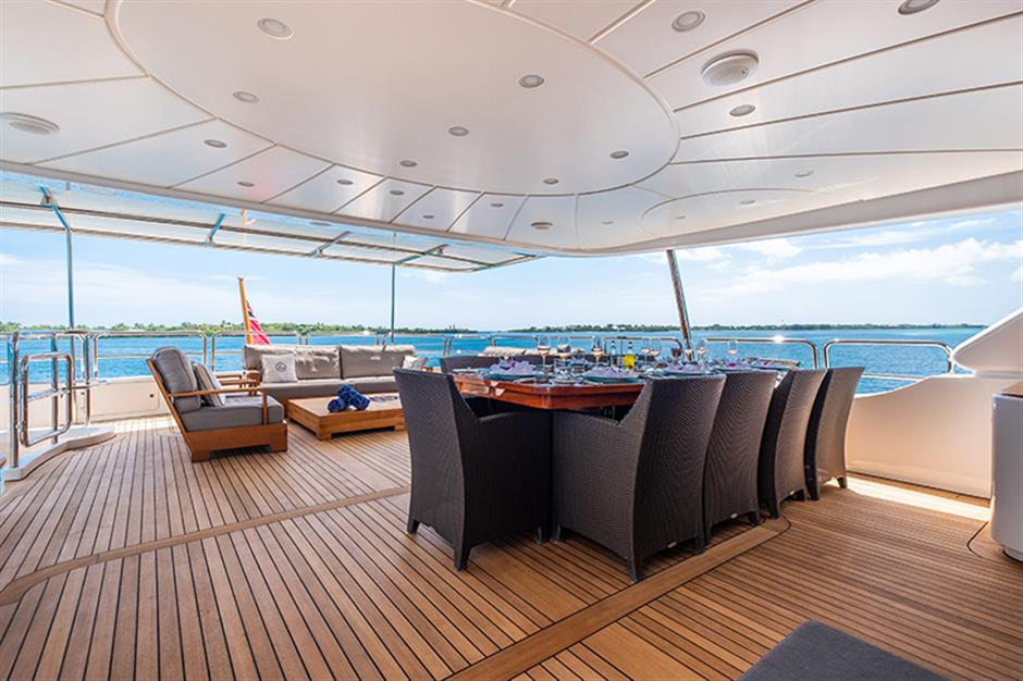 Yacht Benetti 120 - photo 16 of 23