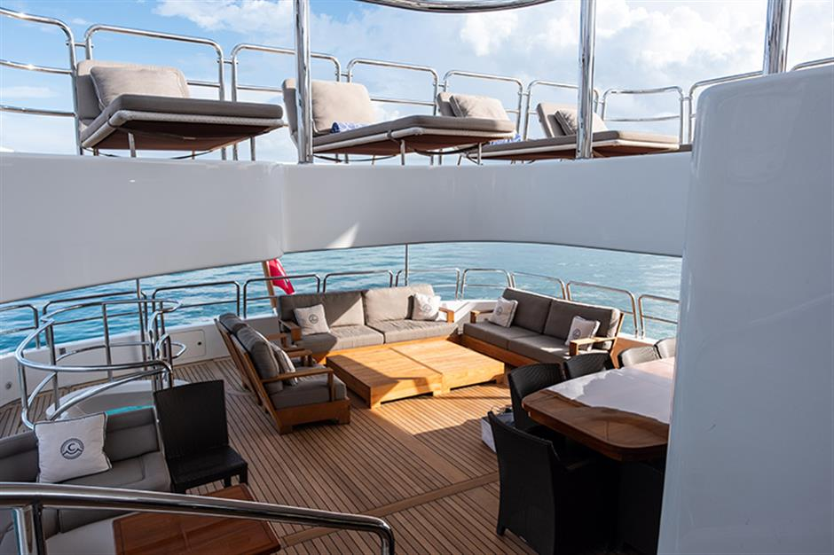 Yacht Benetti 120 - photo 18 of 23