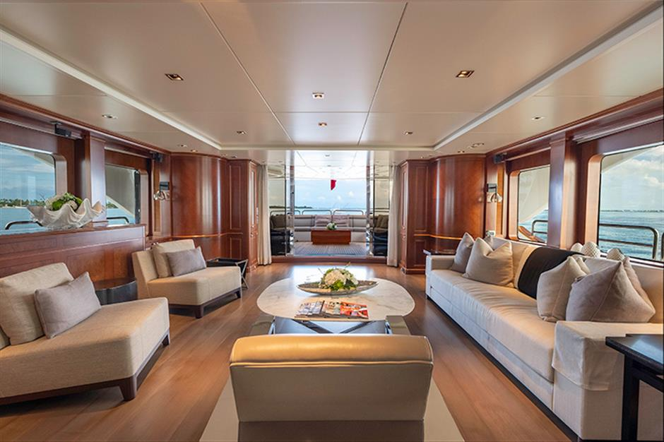 Yacht Benetti 120 - photo 4 of 23