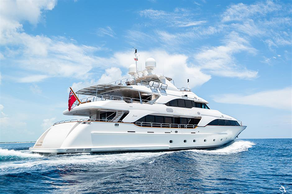 Yacht Benetti 120 - photo 21 of 23