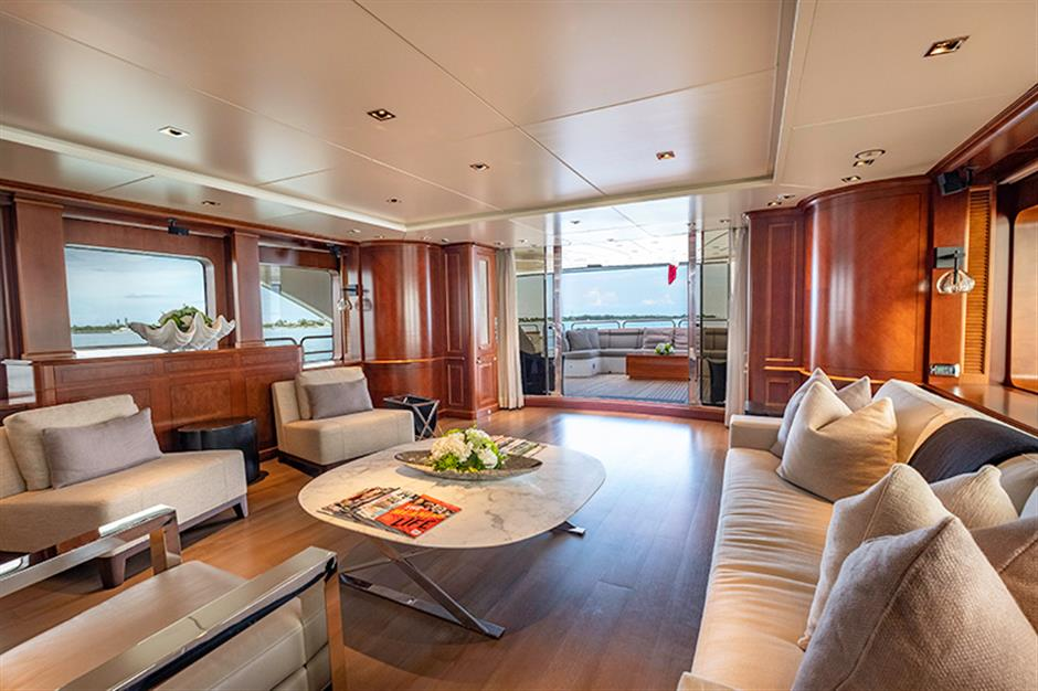 Yacht Benetti 120 - photo 5 of 23