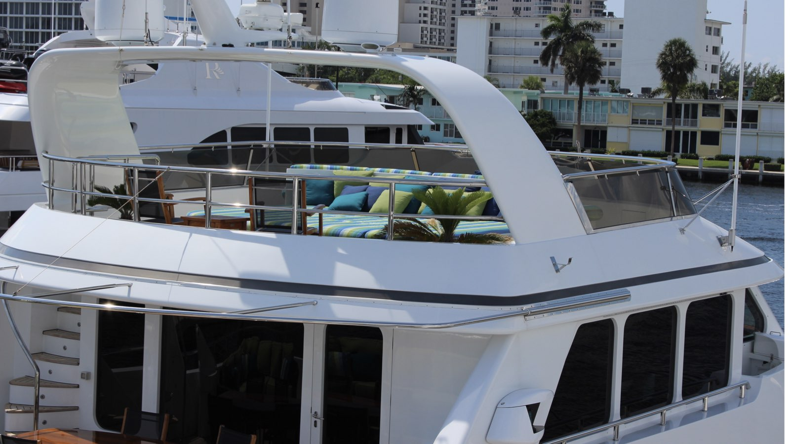 Yacht Conrad 89 - photo 20 of 24